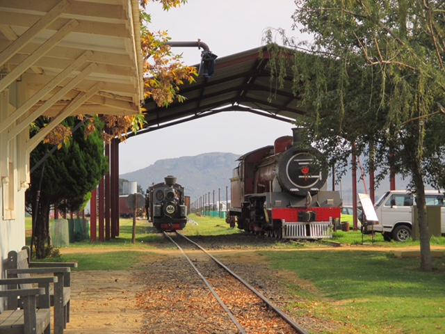 David & Goliath - the Feldbahn passes its Cape Guage cousin